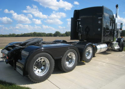 Low Cut Full Fender w/ Single-Axle Fender on Lift-Axle