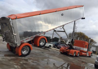 Single-Axle Fender on Tractor & Trailer